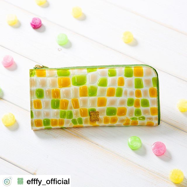 Summer  itemL字ファスナー長財布 TK1-11 ¥12,500+TAXほの甘カラーにひとめぼれefffy定番の大人気ウォレット。この夏も胸キュンカラーが勢ぞろい。クロコエンボス加工をほどこしたこのお財布はシボの大きさやカラーが一つひとつ、とても個性的️他では見つけられないオンリーワンとの出会いを楽しんで. .#efffy#エフィー#Wallet#ウォレット#革小物#財布#バッグ#ItalianMaterial#Pochette#ポシェット#ロングウォレット#二つ折り財布#ボックス型コイン財布#カラフル小物#春色財布#牛革財布#春夏新作革小物#2waybag#ホワイトリュックサック#牛革リュックサック#夏コーデ#牛革スムース素材#梅雨トート#L字ファスナー長財布#カラフル財布