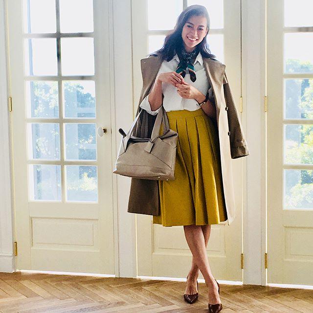革バッグ 革財布 efffy SSシーズン新作のご紹介です。イタリアナポリのBALDONI社とのコラボレートモデル。使用したイタリア製ソフト牛革はやわらかくタッチ感の良い素材です。カットワークが新鮮な印象の少し大きめなトートバッグは、口開きが良くA4もしっかり収納ができてとても便利!春のオフィスコーデやトラベルなどに幅広く活躍します!no_MIC 1-11 color_IV ¥36,000(+tax)www.efffy.comefffy coredo muromachiefffy nagoyaefffy's closet chofu efffy's closet machidaefffy's closet yokohama efffy's closet tokorozawaefffy's closet saitama shintoshin efffy's closet takasaki efffy's closet nishinomiya#efffy#efffys_closet_official#madeinjapan#totebag#leatherbag#leather#sacsbar#gransacs#sacsbarjean#日本製#革バッグ#春コーデ#アイボリー#マスタード#ホワイト#トートバッグ#オフィスコーデ#ママコーデ#スカーフ#トレンチコート#エレガント#イタリア#エフィー#サックスバー#グランサックス#サックスバージーン#かわいい#お洒落さんと繋がりたい