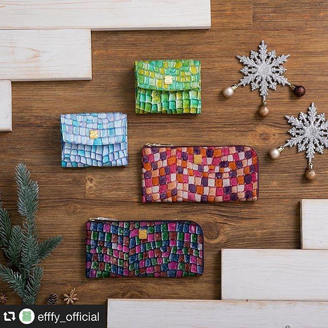 #repost @efffy_official via @PhotoAroundApp . Christmas gift Collection .L字ロングウォレットIN3-12 ¥13,000+TAXミニウォレットIN3-14 ¥1,2000+TAX . .きらめく季節に、ときめきのウォレット。まるでイルミネーションの輝きのような美しい色彩のウォレット。きらめきを持つだけで運気は上がる!?選ぶ楽しみも大きくなりそう。大切な人へ、自分へ。素材/ITALY製エンボス加工エナメル牛革#efffy#エフィー#革小物#財布#バッグ#ItalianMaterial#カラフル財布#牛革財布#秋冬新作革小物#2waybag#秋冬コーデ#牛革スムース素材#エナメル加工牛革財布#クリスマス小物#ロングウォレット#おとな長財布#カラフル財布#おしゃれ財布#クリスマスギフト#幸運財布 #トリエ京王調布