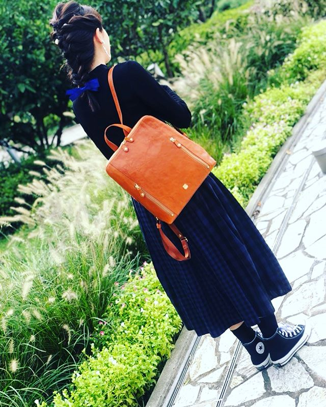 革バック 革財布efffyこんばんは今日は、ガーデンズライフに掲載の商品のご紹介です♡日本製のオイルシュリンク牛革を使用し、秋の装いにぴったりなリュックが入荷いたしました品番:vj2-02価格:19,500+税#efffy #efffyscloset #efffy_nishinomiya#efffys_closet_official #efffy_official #リュック #革 #革財布 #秋コーデ #日本製 #西宮ガーデンズ #西宮 #西宮北口 #大人可愛い #キャメル #秋の旅行 #スタッフも欲しい #秋の訪れ #台風 #もう嫌 #ヘアアレンジ #スタッフ が。#アクセサリー は#私物 #黒コーデ #来週 も載せます♡