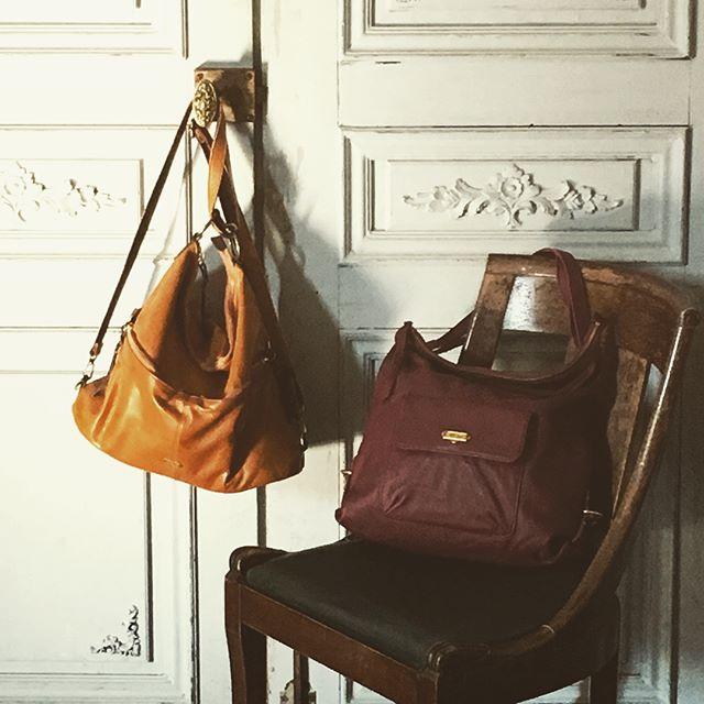 革バッグ 革財布 efffy efffy's closetAWシーズンスタンダードアイテムのご紹介です。ソフトなシルエットの多機能リュック!ショルダーストラップのアレンジでそれぞれ2WAYで使用が可能です。ミドルサイズでしっかり収納ができてとても便利です。使用した日本製のソフト牛革は、クラシックな雰囲気が魅力的で革の味わいが楽しめる素材です。ワインカラー/キャメルカラーが秋コーデに幅広く活躍します!no_CMF3-01 color_CAM ¥19,000(+tax)no_CPB1-10 color_WI ¥18,500(+tax)www.efffy.comefffy coredo muromachiefffy nagoyaefffy's closet chofu efffy's closet machidaefffy's closet yokohama efffy's closet saitama shintoshin efffy's closet takasaki efffy's closet nishinomiya#efffy#efffy_official#madeinjapan#handbag#leatherbag#leather#sacsbar#gransacs#sacsbarjean#camel#wine#rucksack#日本製#革#革バッグ#秋コーデ#リュック#ショルダーバッグ#カジュアルコーデ#ワイン#キャメル#アンティーク#カフェバー#ワインバー#エフィー#サックスバー#グランサックス#サックスバージーン#かわいい