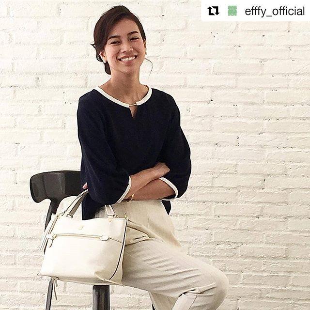 #Repost @efffy_official (@get_repost)・・・革バッグ 革財布。 efffy SSシーズン商品のご紹介です。細かいシボ感が魅力的でクラシックな雰囲気のあるバングラキップ牛革を使用したハンドバッグ。シェイプしたサイドのラインがデザインポイントで、アオリ型ポケットを採用し収納に優れ、ショルダーストラップ付属で2WAYでご使用いただけとても便利です。ホワイトカラーで夏コーデを爽やかに!no_TS1-23 color_WH ¥24,000 (+tax)www.efffy.comefffy coredo muromachiefffy nagoyaefffy's closet chofu efffy's closet machidaefffy's closet yokohama efffy's closet tokorozawaefffy's closet saitama shintoshin efffy's closet takasaki efffy's closet nishinomiya#efffy#efffys_closet_official#madeinjapan#handbag#leatherbag#leather#sacsbar#gransacs#sacsbarjean#日本製#革#革バッグ#ハンドバック#ネイビー#ホワイト#ネイビー#ママコーデ#夏コーデ#オフィスコーデ#カジュアルコーデ#エレガント#スナップミー#エフィー#サックスバー#グランサックス#サックスバージーン#かわいい#お洒落さんと繋がりたい