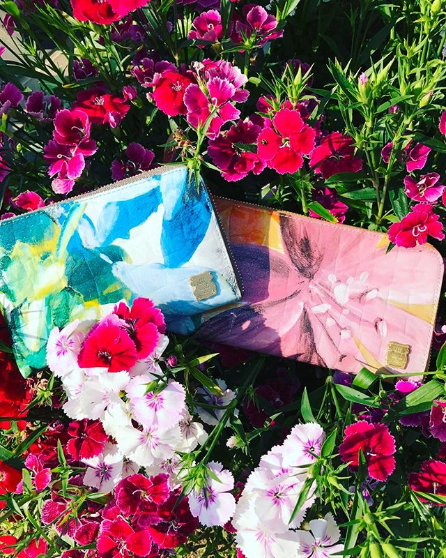 革バッグ 革サイフefffyDO1-01 ¥16,200intax YEDO1-02 ¥11,880intax NV#efffy#sacstation#ibaraki#japan#madeinjapan#wallet#flower#gift#mothersday #サックステーション#水戸#水戸駅#財布#日本製#母の日#母の日プレゼント#サックスバー